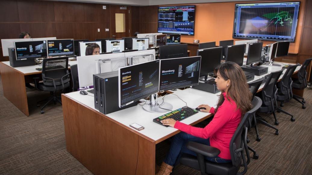 New Business Data Analysis Lab Now Open Oakland University
