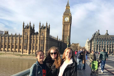 OU study abroad students on excursion in London