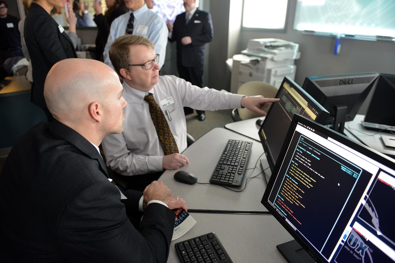 Oakland university launches cyber security certificate courses at oakland university launches cyber security certificate courses at its macomb ou incubator xflitez Choice Image