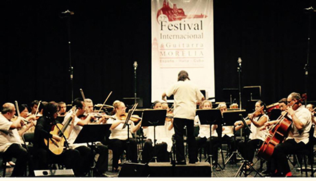Iliana Matos performing concerto with the Michoacán Symphony Orchestra