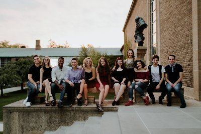 2018 Theatre Senior Showcase students group photo