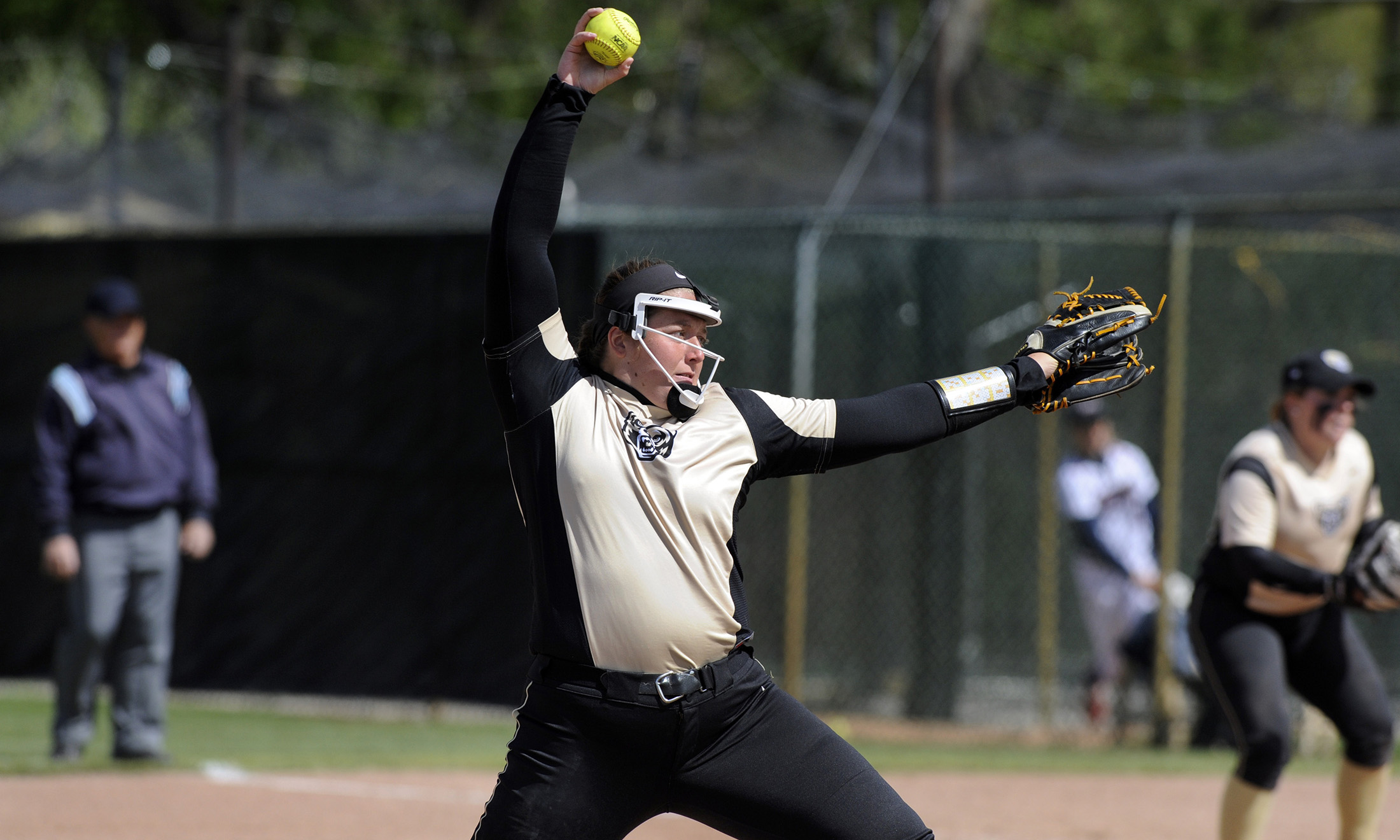 Oakland University softball star Erin Kownacki throws a pitch