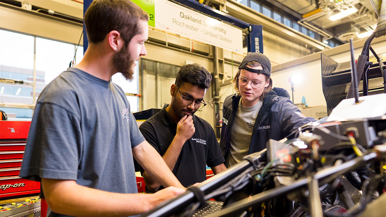 Median Salary For Recent Ou Mechanical Engineering Grads Among Highest In U S 2020 School Of Engineering And Computer Science News Ou Magazine Oakland University